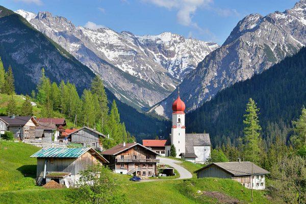 Das Bergdorf Bschlabs im Lechtal