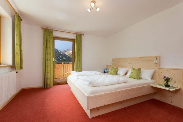 2. Schlafzimmer mit Doppelbett (2. Ansicht)