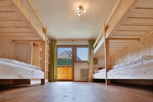 3. Schlafzimmer mit zwei Etagenbetten