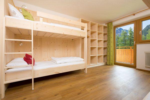 Holzbetten mit hochwertigen Matratzen